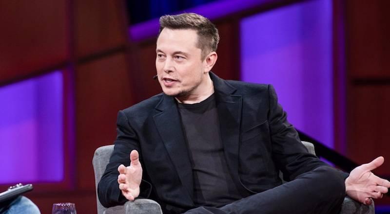Elon Musk fabrikalarını kapatmaya yanaşmıyor