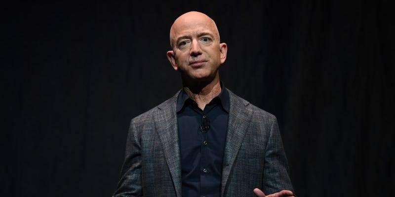 Jeff Bezos'tan 3.4 milyar dolarlık hisse satışı
