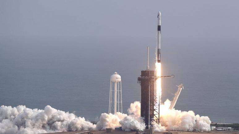 Yeni uzay çağı! İlk astronotlu SpaceX roketi fırlatılıyor