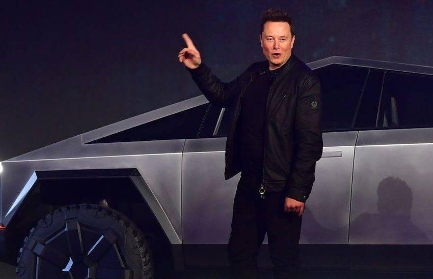 Elon Musk Rockstar Games ve Jeff Bezos ile dalga geçti