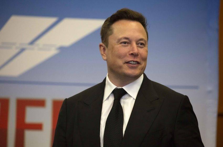 Elon Musk Mısır piramitlerini hedef aldı