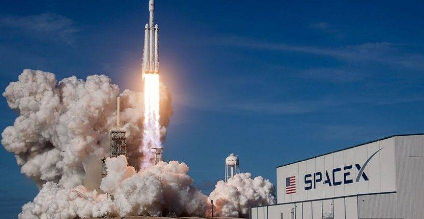SpaceX 60 yeni Starlink uydusunu uzaya gönderdi