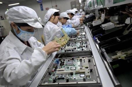 Foxconn MacBook ve iPad üretimini Vietnam'a kaydırıyor
