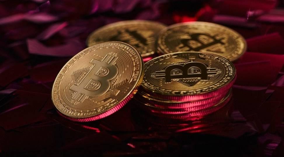 Bitcoin ve Tesla